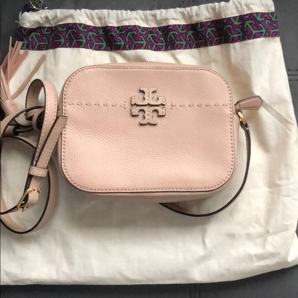 3c02bc90a9f7 Authentic Tory Burch McGraw Camera Bag. M 5b673c84cdc7f77c960d10ee